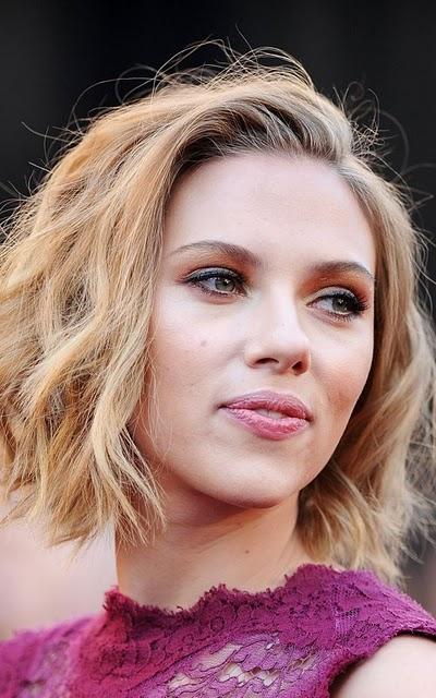 scarlett johansson oscars 2011 haircut. Scarlett Johansson in January