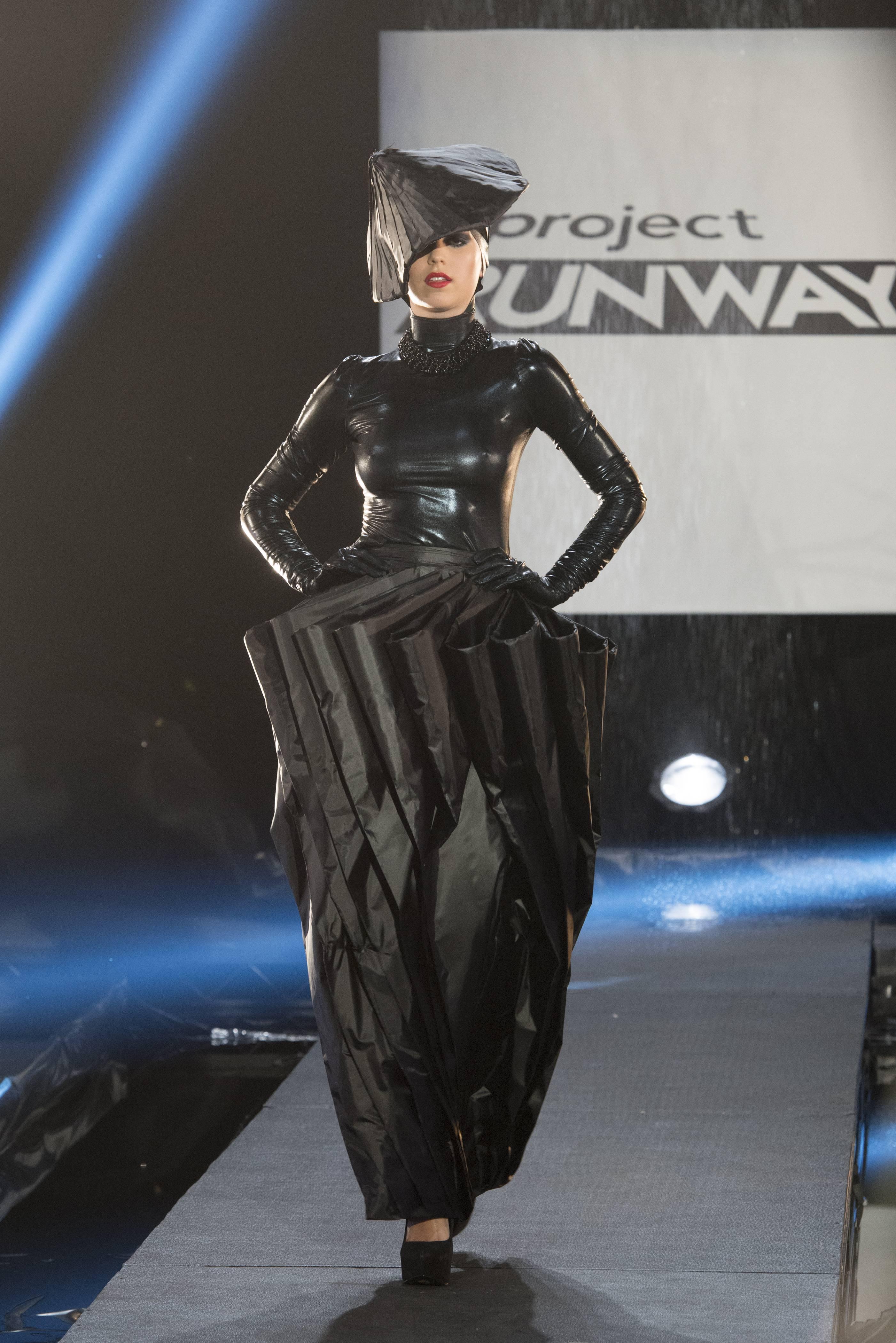 dress - Garde avant runway trend video